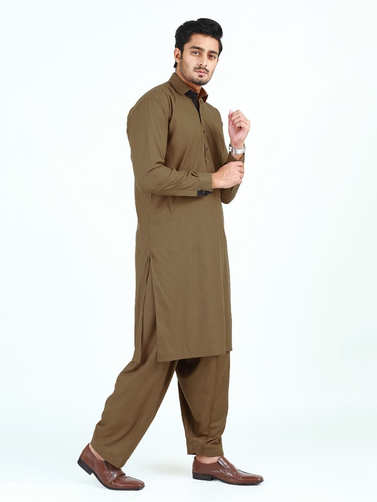 Gents ShalwarQameez New Styles It is no doubt that the personality of a man is depending on the good dressing. For this shalwar kameez is the best outfit for gents that comes with the latest designs. That appeared with the new style for Pakistani males. This is not casual attire but also formal wear, you can also clutch them on any party or wedding function. It is a very comfortable dress so every age group prefers to wear it. The following ideas are about shalwar kameez design with the latest styles that will make you fabulous. 1- Any handprint or computer print embellish kameez with salwar is also the best trend these days. 2- Gents choose to wear a full embroidered front with matching jeans pants. This style combination gives them a very young look. 3- A waistcoat is another wonderful fashion accessory that can increase elegance and gives a perfect royal look. 4- Plain fabric or striped styles in different colors are look amazing. 5- The trend of a couple of pockets on the front is also very famous nowadays. 6- From a long point collar designing are great for these special outfits.